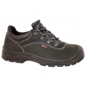 Safety shoes for construction - Parade-Lama - Standard S3 - a Man and a Woman